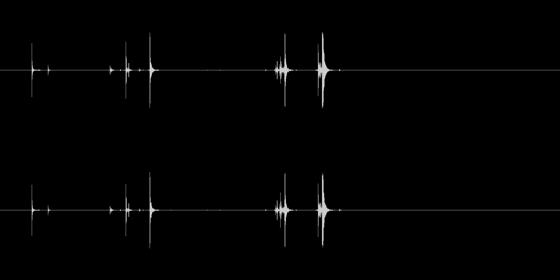AK-47:ロードクリップ、プルボ...の未再生の波形