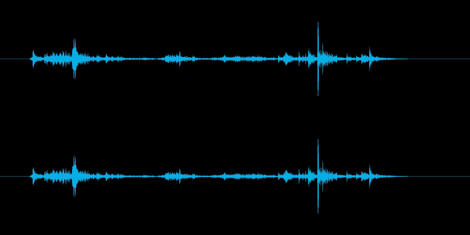 【ペン立て01-3(ガサゴソ)】の再生済みの波形