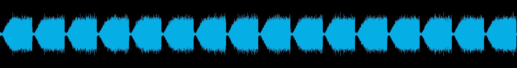 EDMでよくあるホワイトノイズの再生済みの波形