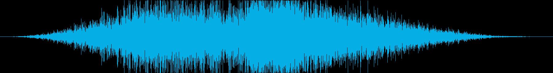 遠くでシャッターが勢いよく閉まる音の再生済みの波形