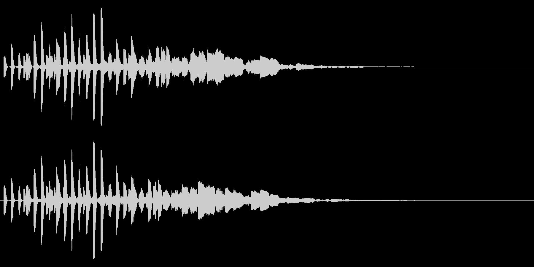 ピッピッと不思議な雰囲気の電子音の未再生の波形