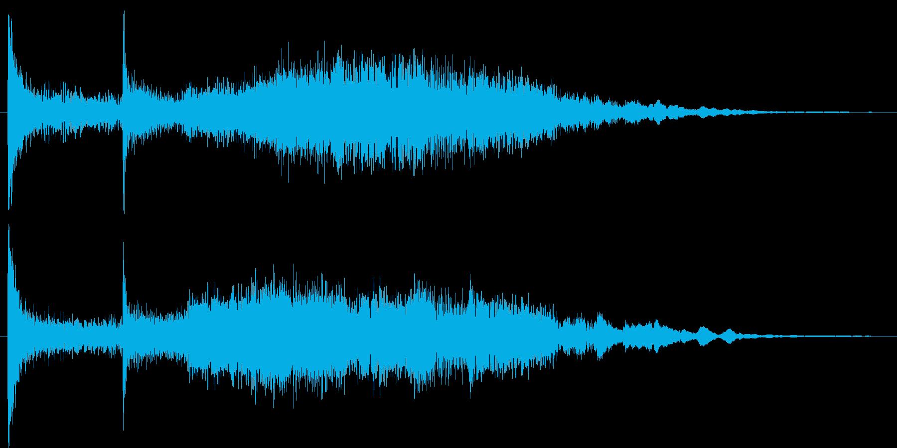 ホラー映画で何かが迫ってくる様な音の再生済みの波形