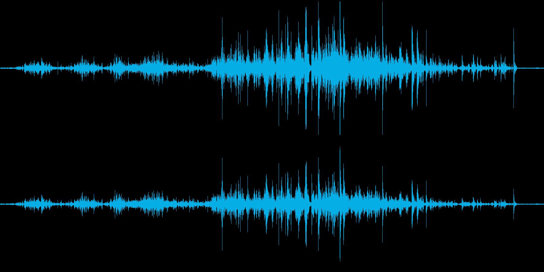 スケボーのタイヤが転がる音ですの再生済みの波形