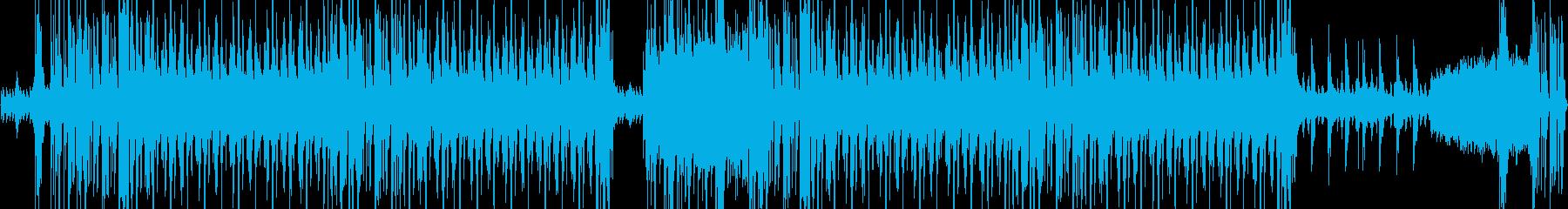 ダークだがフックのあるスローなEDMの再生済みの波形