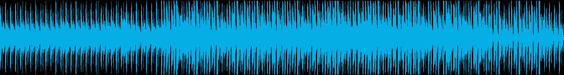 淡々とクールな4つ打ちBGMの再生済みの波形