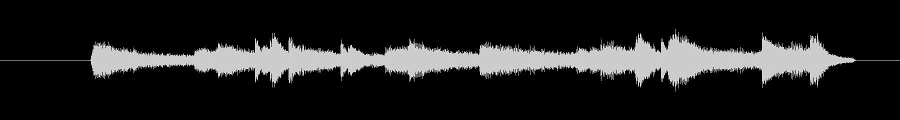ピアノとストリングス、ピッコロのインス…の未再生の波形