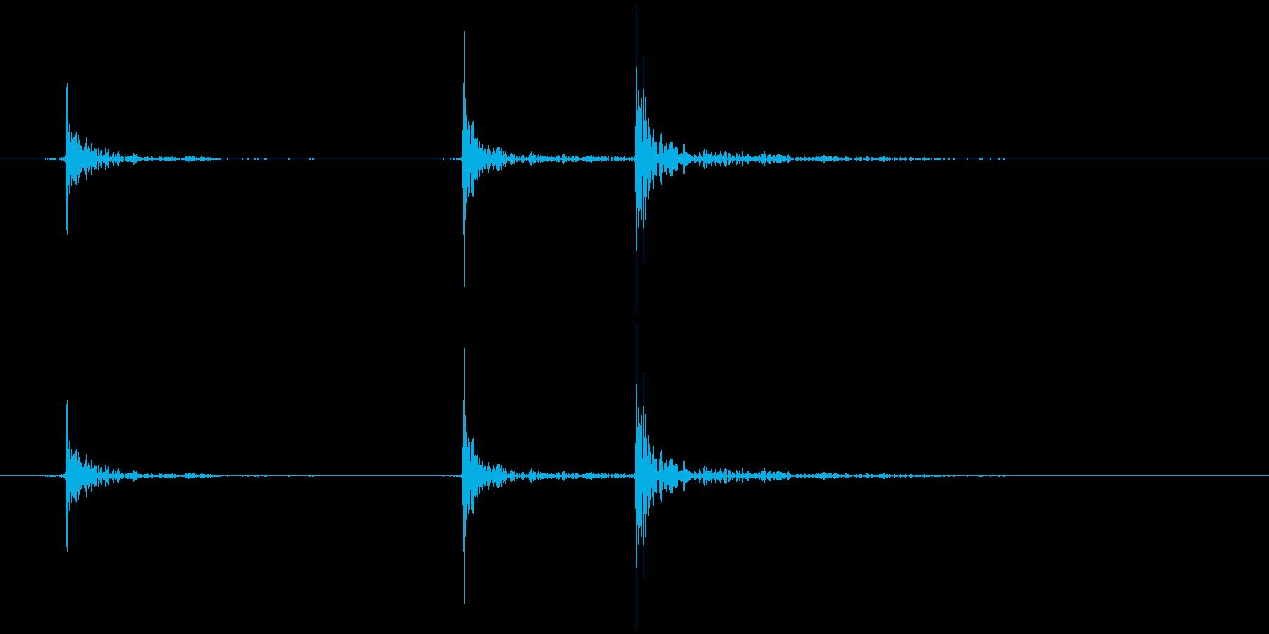 軋む(床など) ギッ、ギギの再生済みの波形
