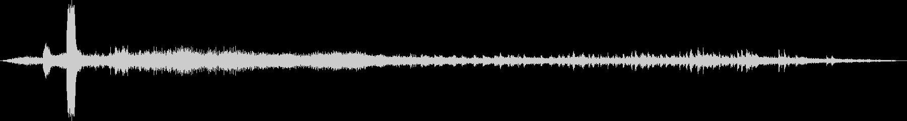 ディーゼル機関車牽引の貨物列車の発車音の未再生の波形