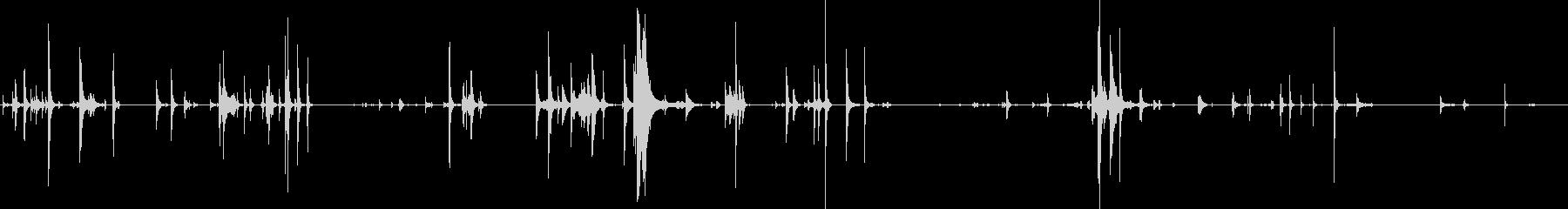 軽金属の動きの未再生の波形