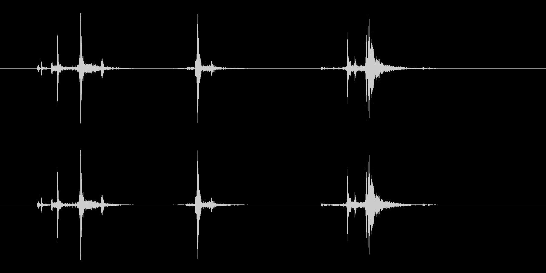 ガシャッ (銃器リロード音.02)の未再生の波形