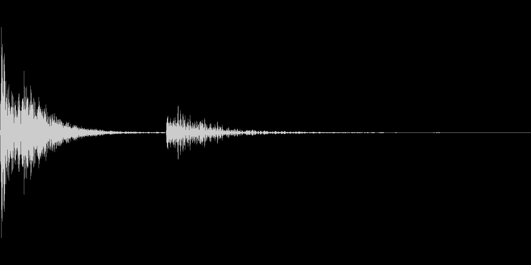 【生活音】コトッ(食器を置く)の未再生の波形