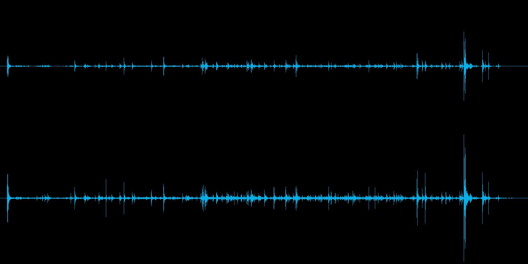 石 中型地すべりショート01の再生済みの波形