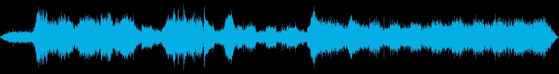 バックアップビープ音で反転するトラックの再生済みの波形