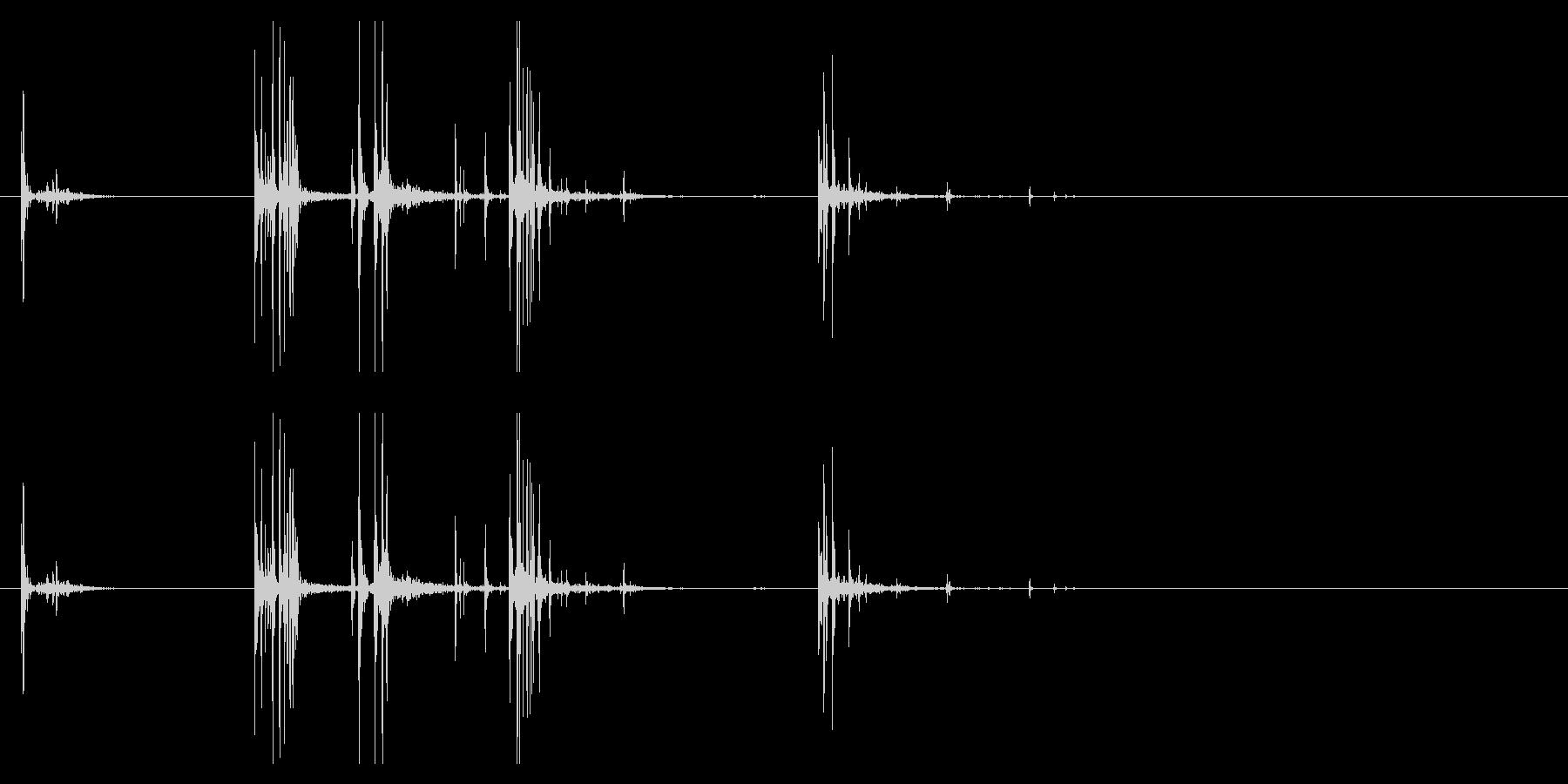 【生録音】サイコロを手の中で弄ぶ・持つの未再生の波形