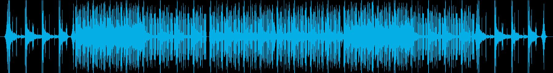 ピアノとストリングスの緊迫したBGMの再生済みの波形