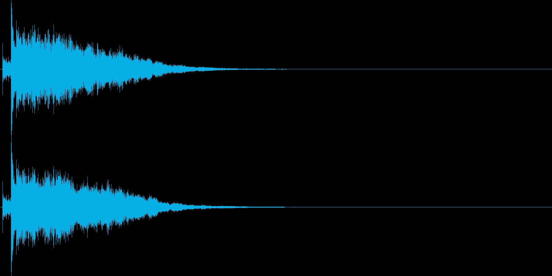 パリン、カシャン(ガラス・鏡が割れる音)の再生済みの波形