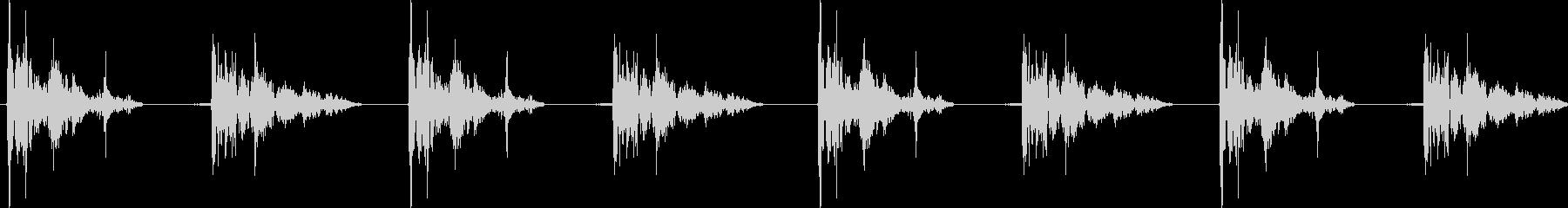 巨大なロボットの足音:重い衝撃、A...の未再生の波形