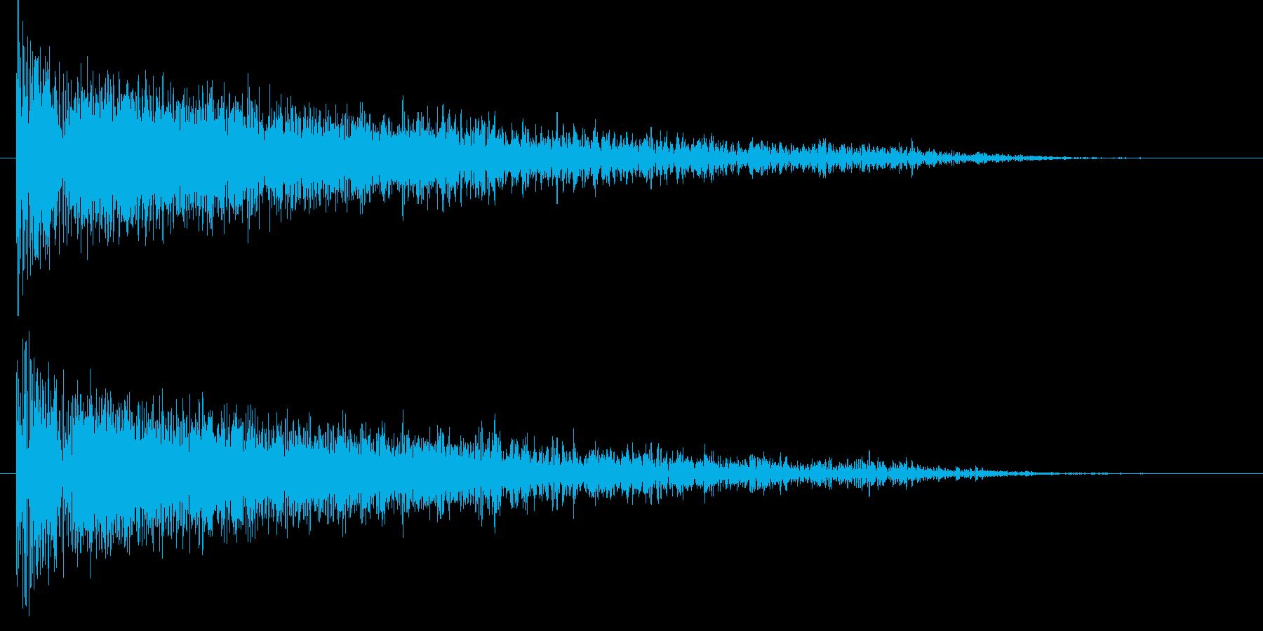衝撃 歪んだ爆発ステレオ01の再生済みの波形
