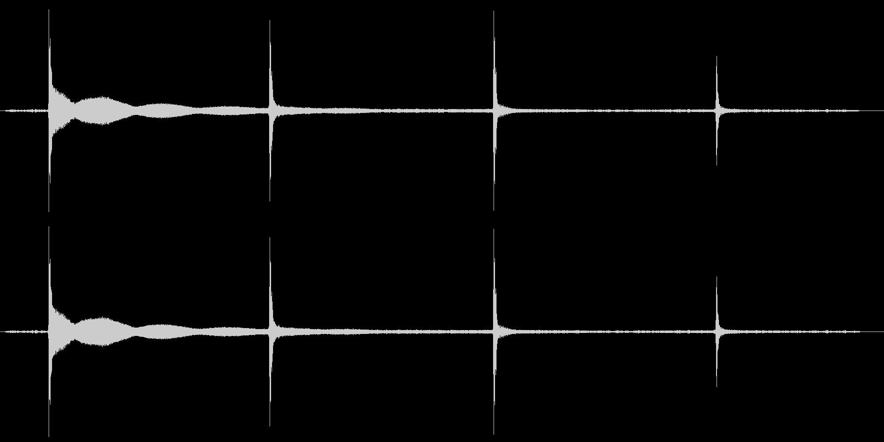 カチカチカチの未再生の波形