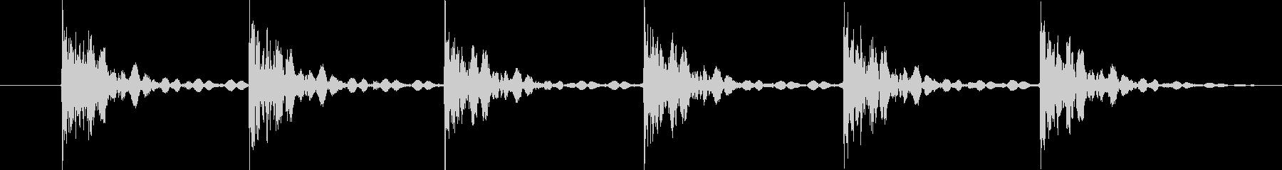 大きなウィンドウペイン:ガタガタ音...の未再生の波形