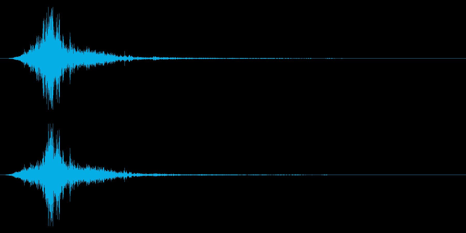 マントをバサッとする音2 ステレオ感の再生済みの波形
