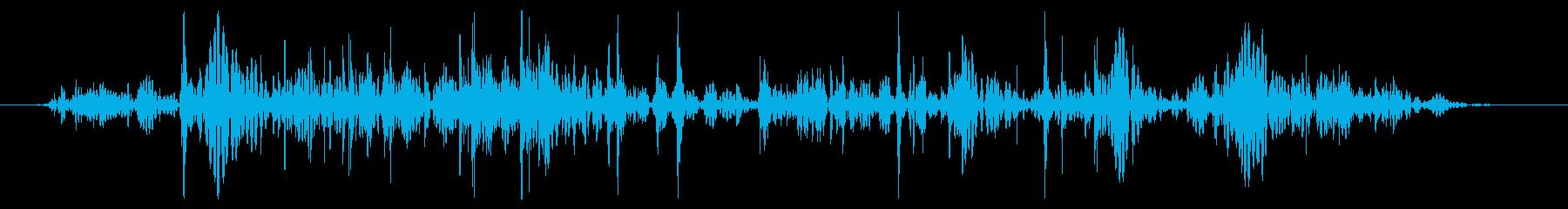 小さな岩:ロールオフパイルの動きの再生済みの波形