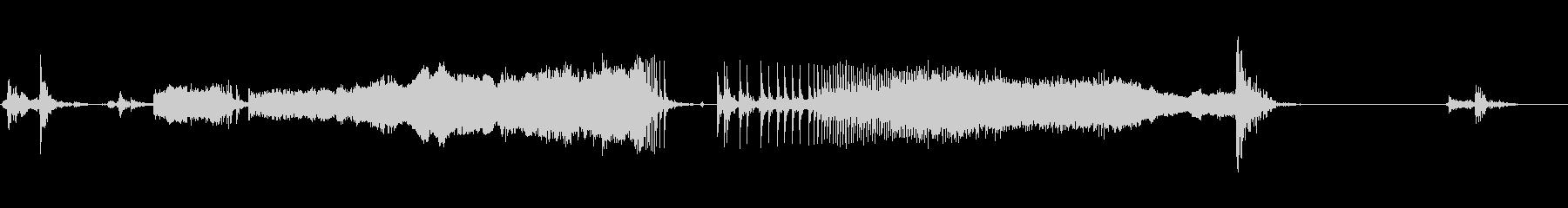 古い手動バスのドア:開閉、大きな音の未再生の波形