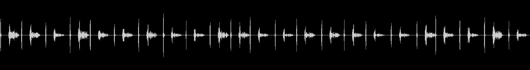 足音(子どもがスリッパで水辺で遊ぶ)の未再生の波形