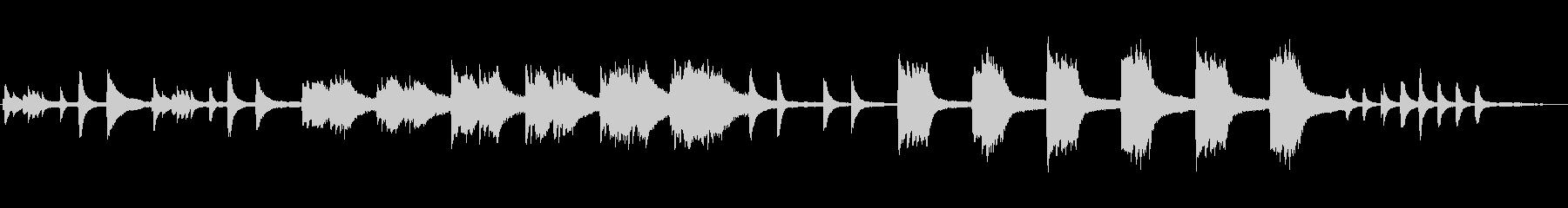 悲しげなピアノ曲の未再生の波形