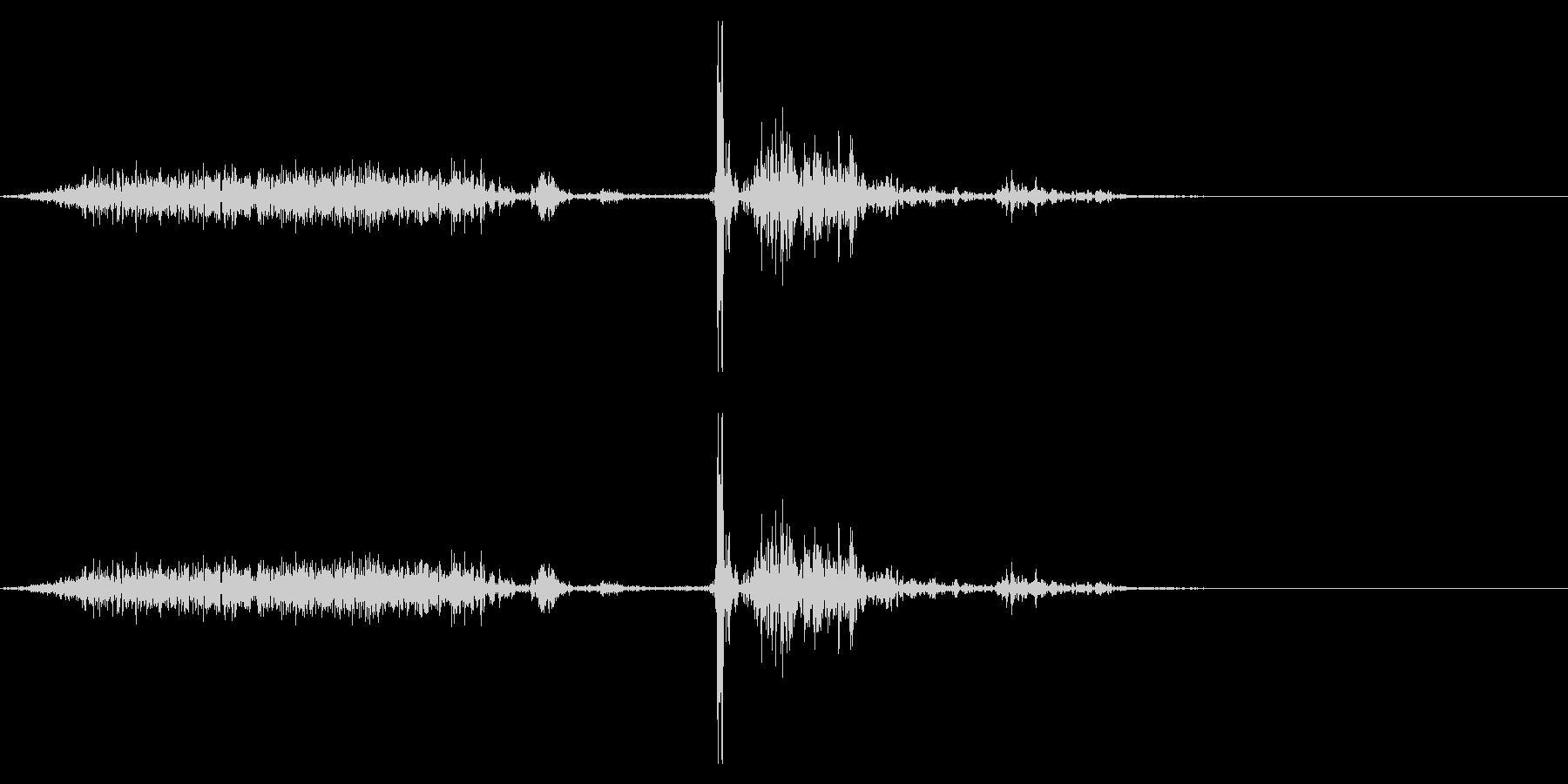 【生録音】本のページをめくる音 16の未再生の波形