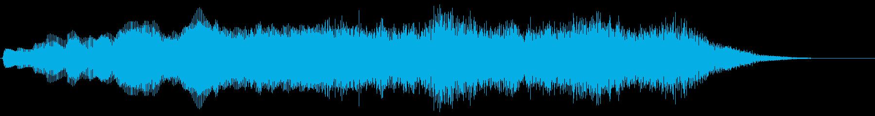 神秘的なライジングシンセパッドの再生済みの波形