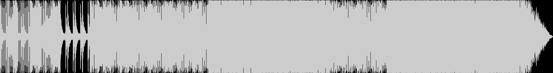 低音にパンチが効いた4つ打ちトラックの未再生の波形