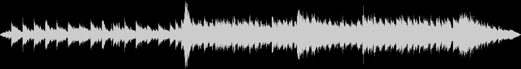ピアノのハーモニー重視のスロー曲です。の未再生の波形