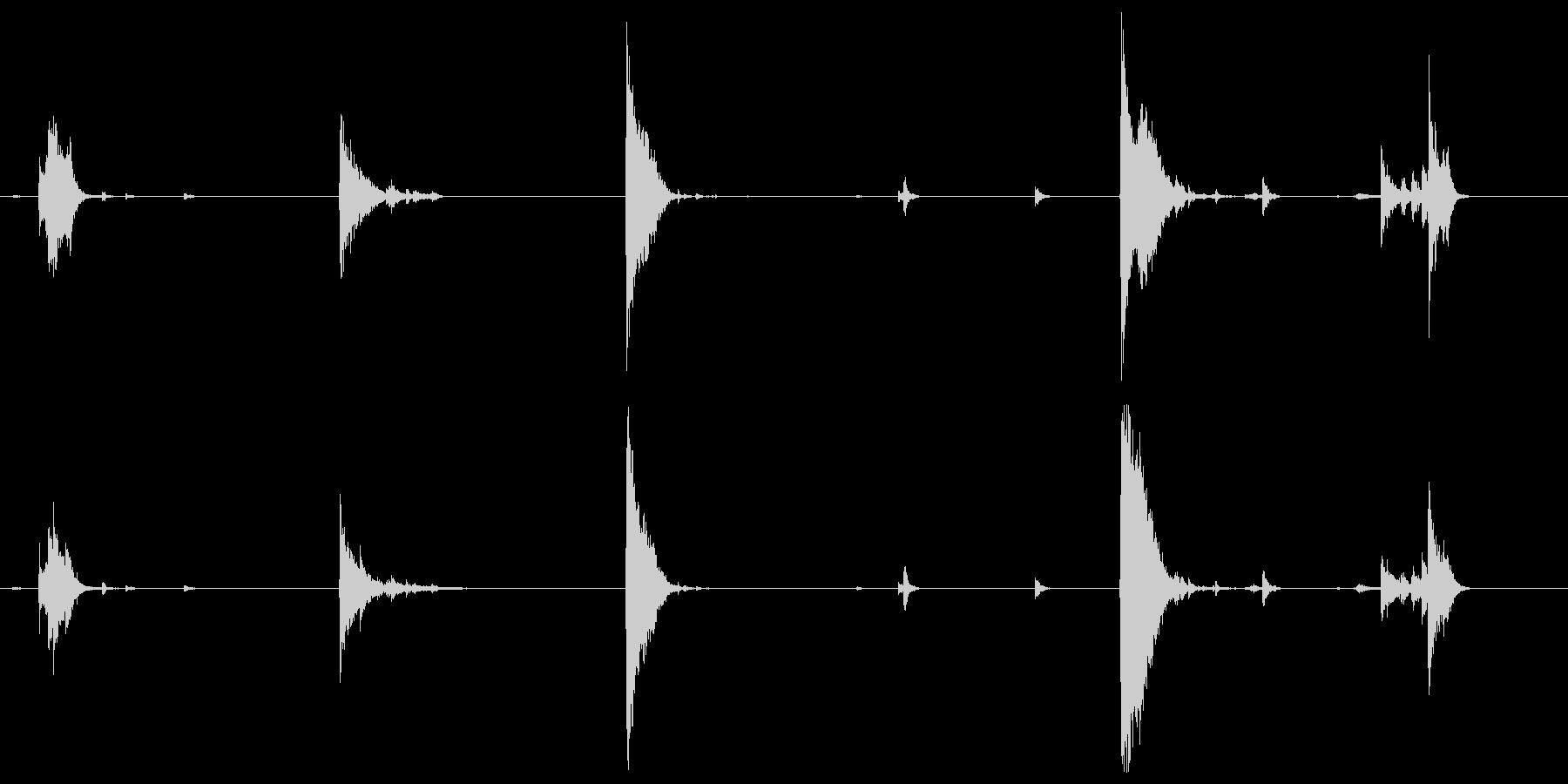 アルミニウム板、軽いガラガラとデブ...の未再生の波形
