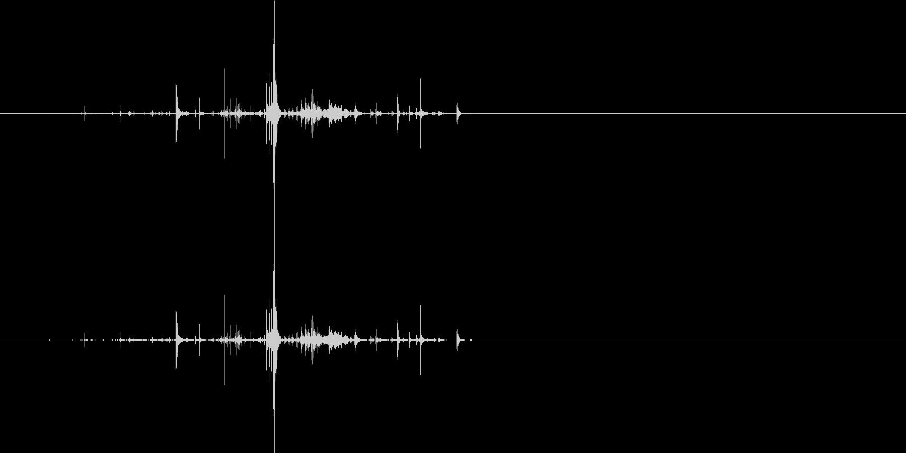 モンスターの口が開くような音3の未再生の波形
