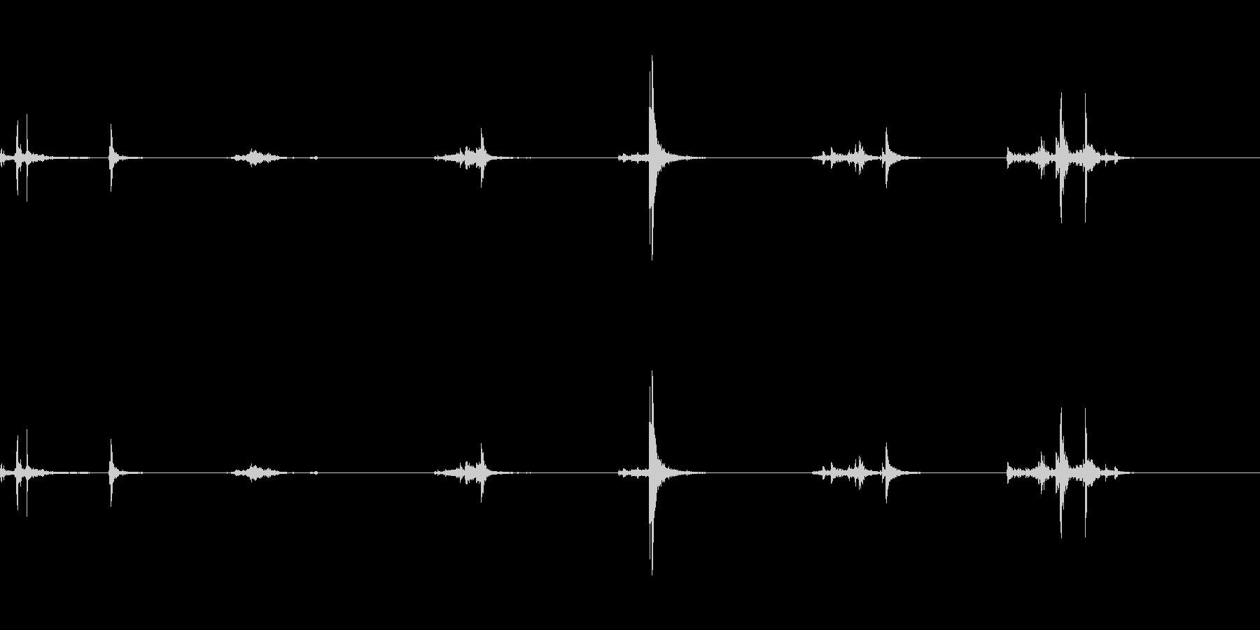 キュッキュ(水筒の蓋を開ける音)1の未再生の波形