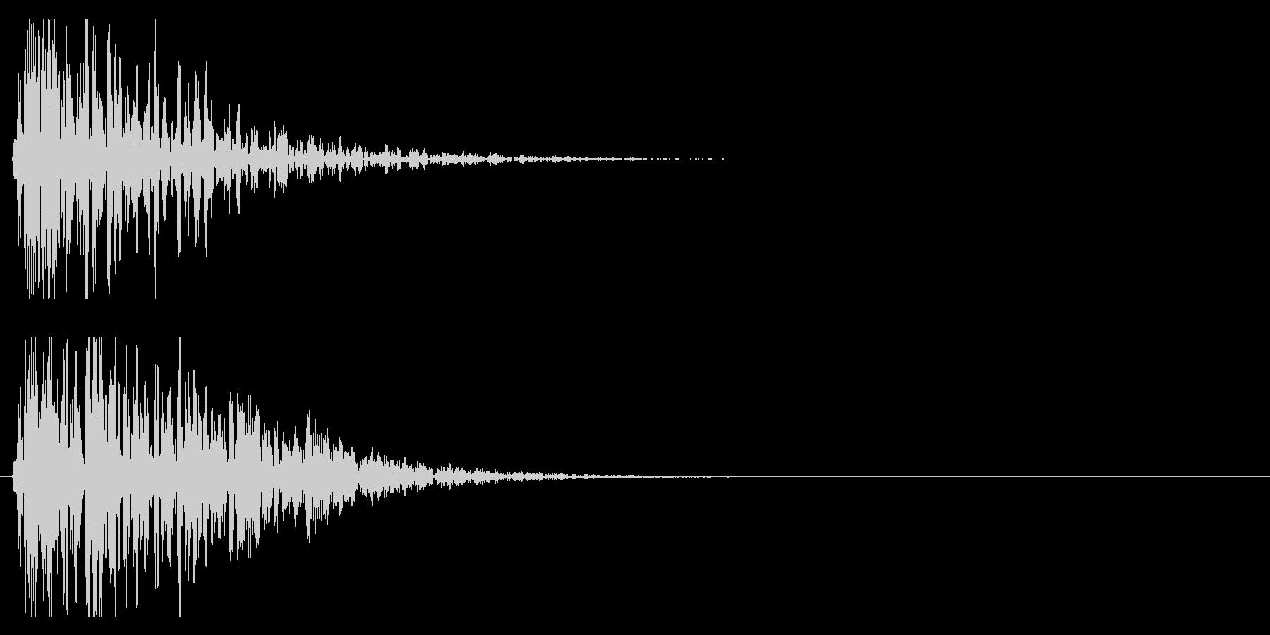 ドン!(迫力ある和太鼓の効果音)03の未再生の波形