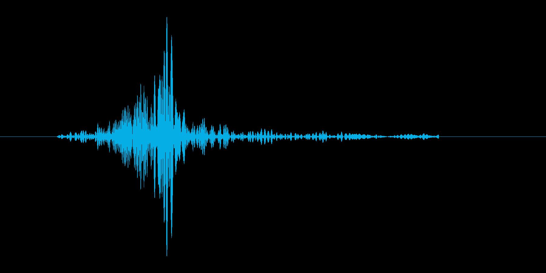 ブンッ。武器を振る音です(3)の再生済みの波形