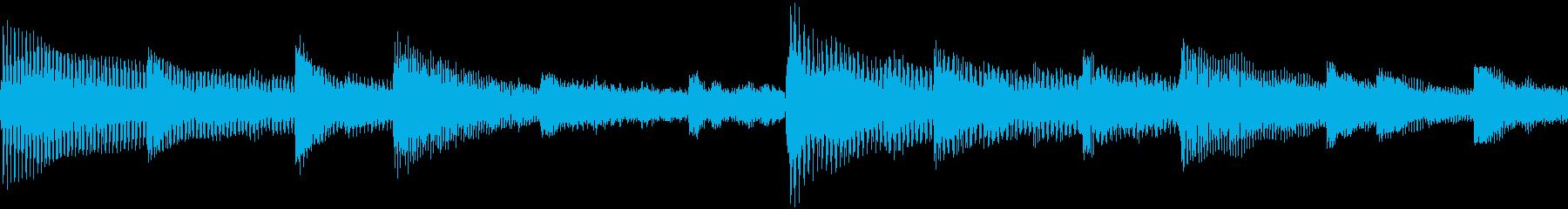 ピアノ、ストリングス、ギター、シン...の再生済みの波形