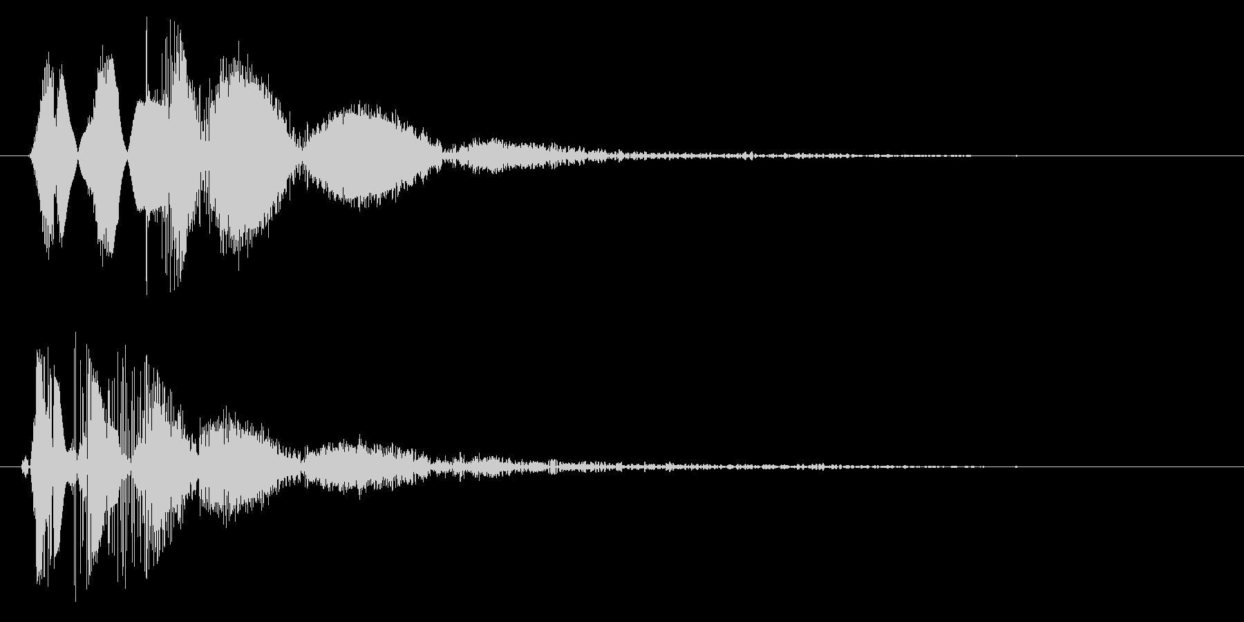 バンッ(風船の破裂音)の未再生の波形