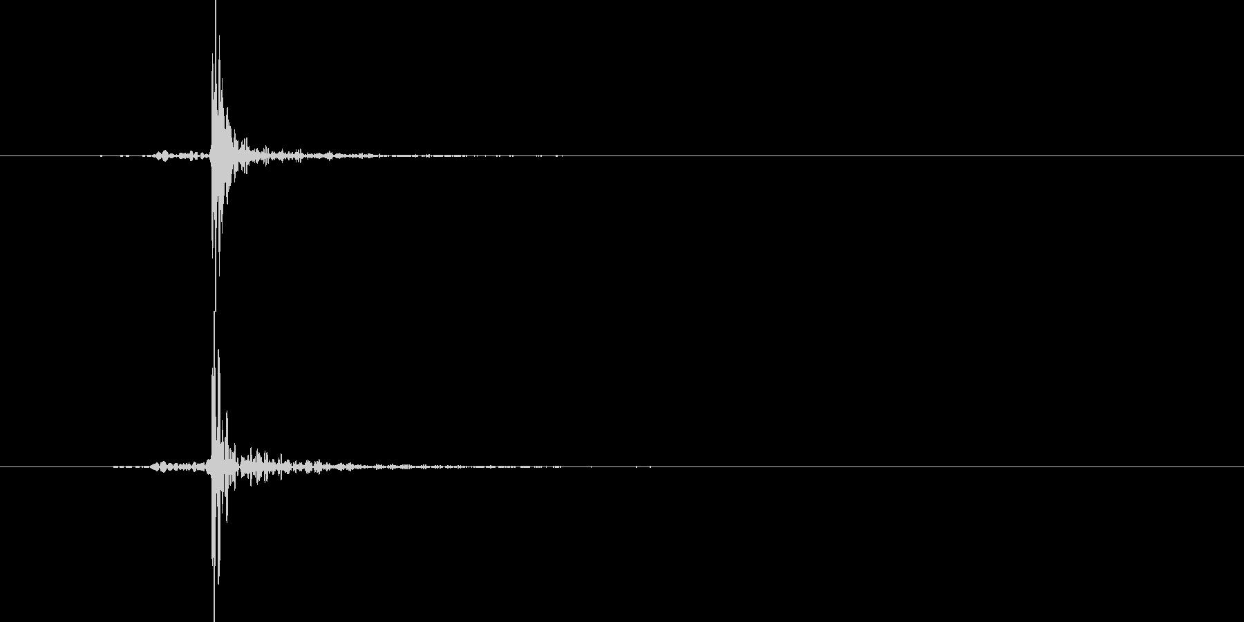 ASMR パイナップルをナイフで切るの未再生の波形
