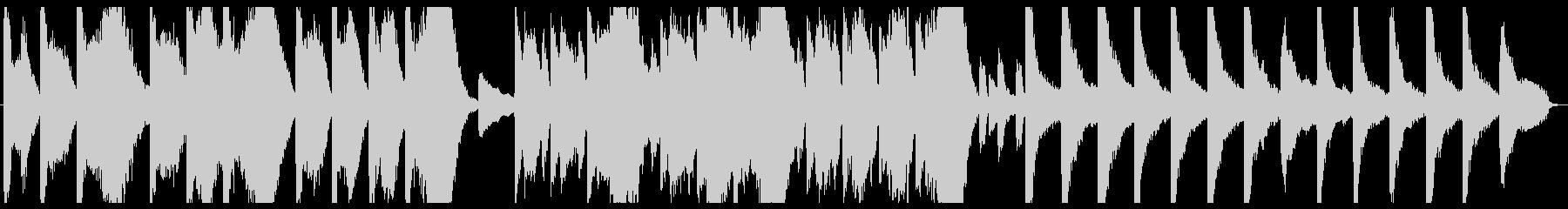 ピアノとストリングスによる荘厳な音楽の未再生の波形