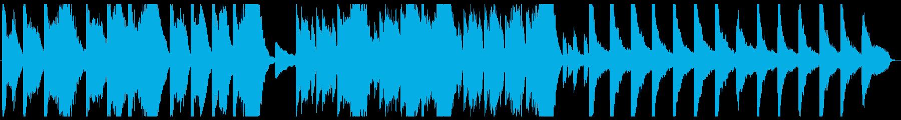 ピアノとストリングスによる荘厳な音楽の再生済みの波形