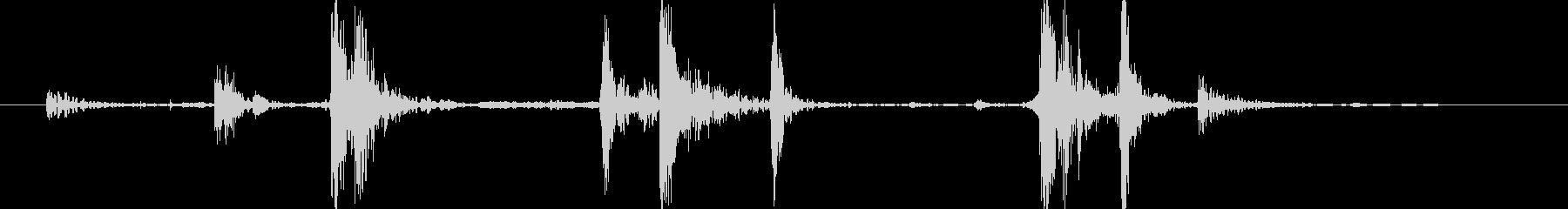 ドタン(木箱の蓋を閉じる)Aの未再生の波形