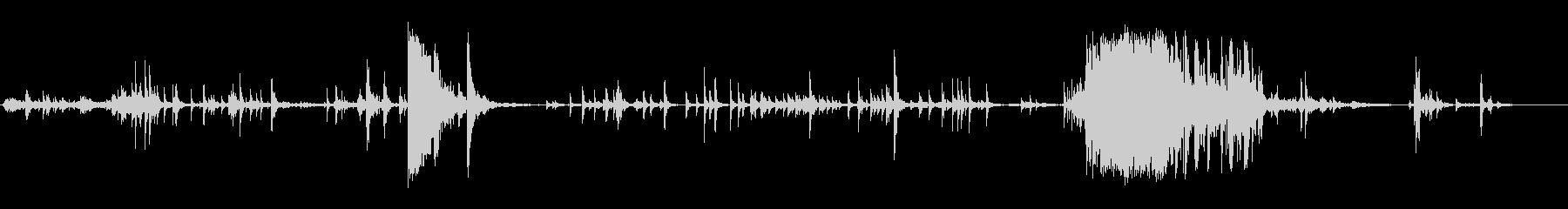 大きなウィンドウペイン:衝撃による...の未再生の波形