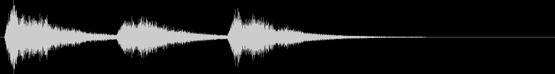 ④サスペンス、高まる不安を3連続の和音での未再生の波形