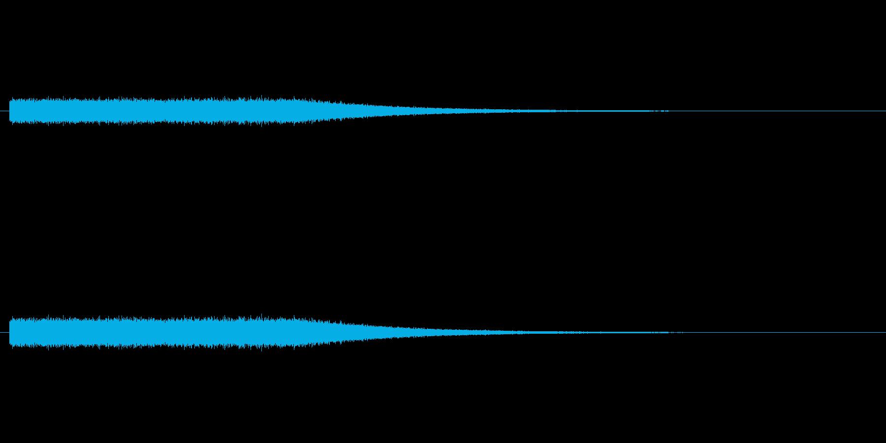 ザーザー降りの雨の音の再生済みの波形