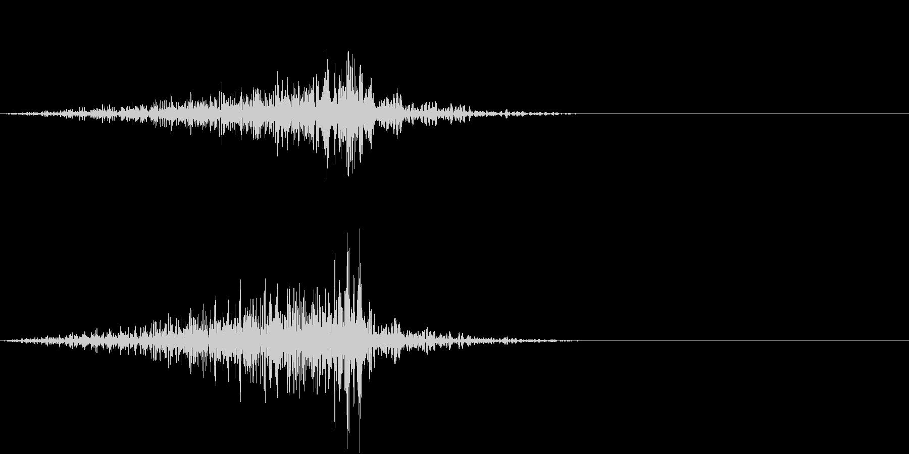 物が通り過ぎる音の未再生の波形