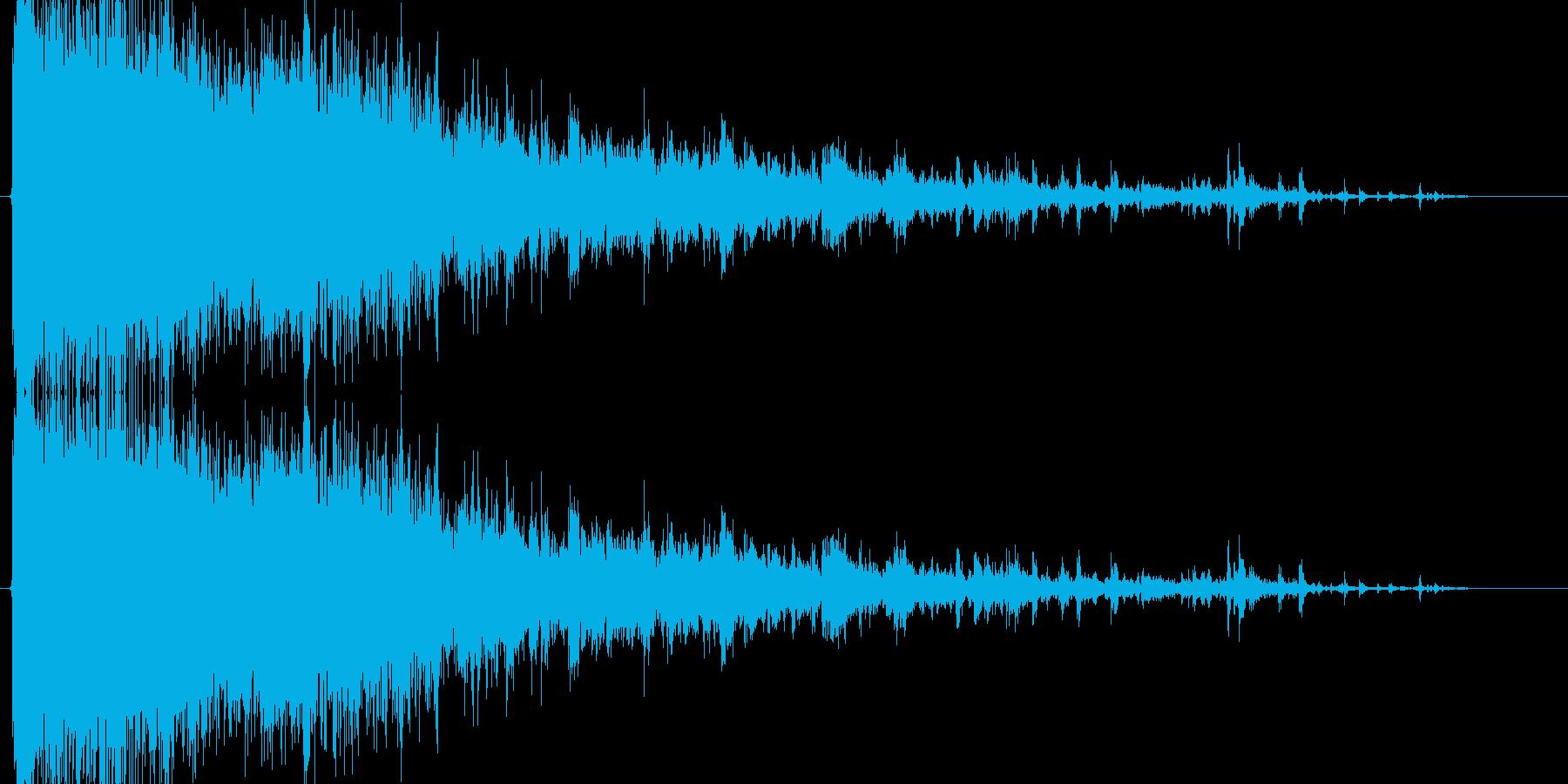 ガラスに突っ込む音の再生済みの波形