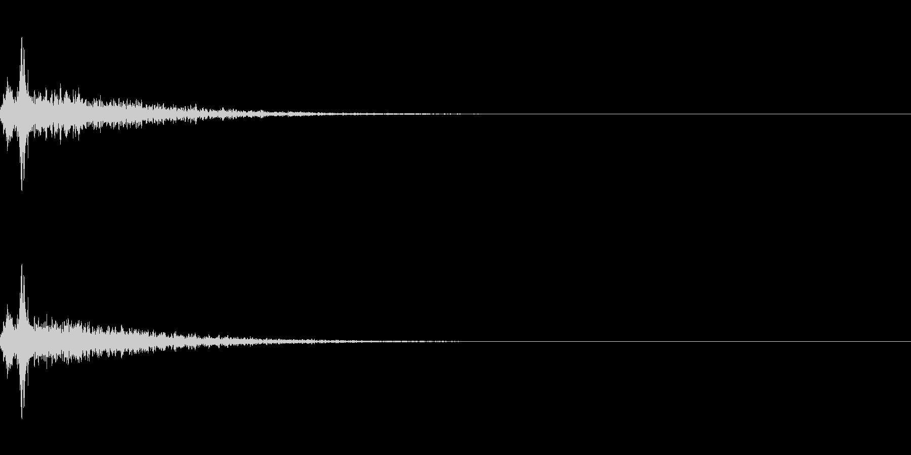 リバーブがかかった神楽鈴(小)を振る音の未再生の波形